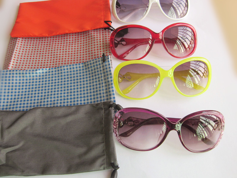 (50 pieces/lot) Sunglasses bags cloth eyeglasses pouches, phone bags mixed colors order(China (Mainland))