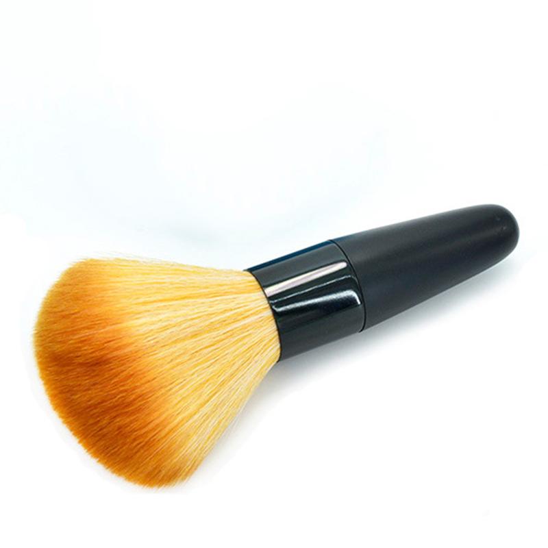 Большая кисточка для макияжа