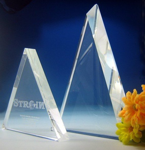 Triangle 3D laser Crystal trophy/crystal awards,Blank !Whole sales,Free shipping,High qualtiy Low price from Real manufacturer