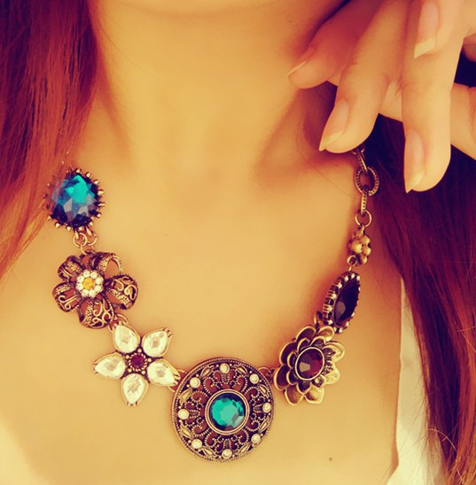 2015 New Arrival Fashion Jewelry Vintage Women Necklaces & Pendants Link Chain Necklace Round Flower Gem Pendant For Gift Party(China (Mainland))
