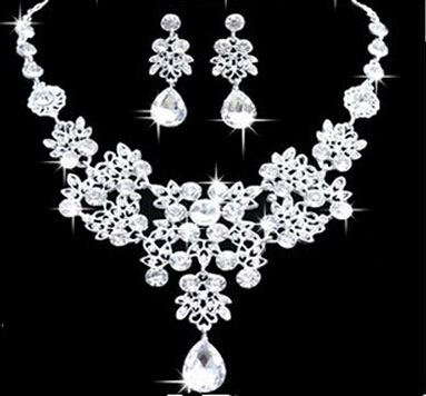 New Design Silver Plated Clear Crystal Rhinestone Earrings Necklace Wedding Accessories Bride Jewelry Sets X198(China (Mainland))
