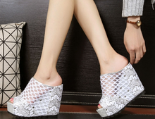 New 2016 Hot Summer Star Fashion Sexy Wedges Casual Round Toe lady slides outdoor Net women sandals Shoe