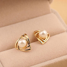 Free Shipping 2pcs=1pair 18K Gold Filled woman's jewelry White Simulated Pearl Elegant Stud Earrings TR066(China (Mainland))
