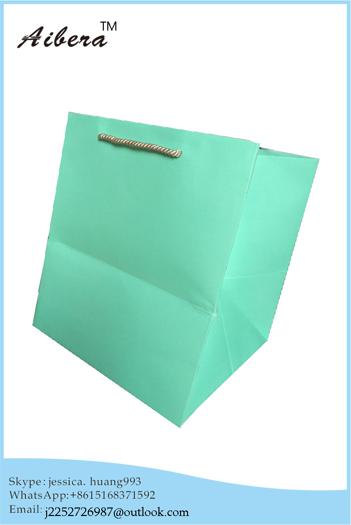 2015 handmade luxury and high quality matt lamination paper bag with handles(China (Mainland))