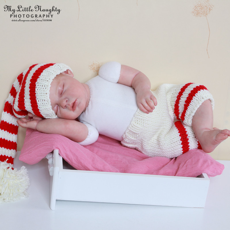 Newborn props for photography handmade crochet outfits red white striped Christmas pom pom fairy hat + pants photo acessorios(China (Mainland))