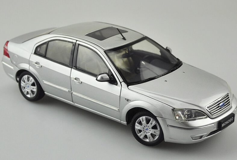 2015 hot sell Ford Mondeo Classic Edition 1:18 alloy car model(China (Mainland))