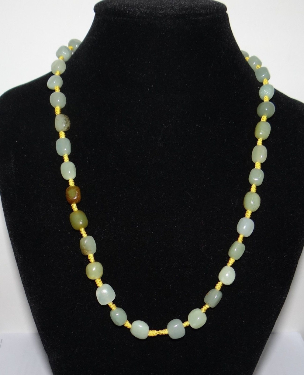 1723 China Nature Nephrite Hetian Jade Light Green Pearls Necklace Pendants(China (Mainland))