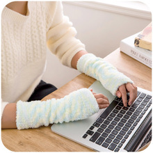 90pcs/lot 2014 new simple chenille warm female cuff winter air conditioning room must arm sleeve Mittens t1161(China (Mainland))