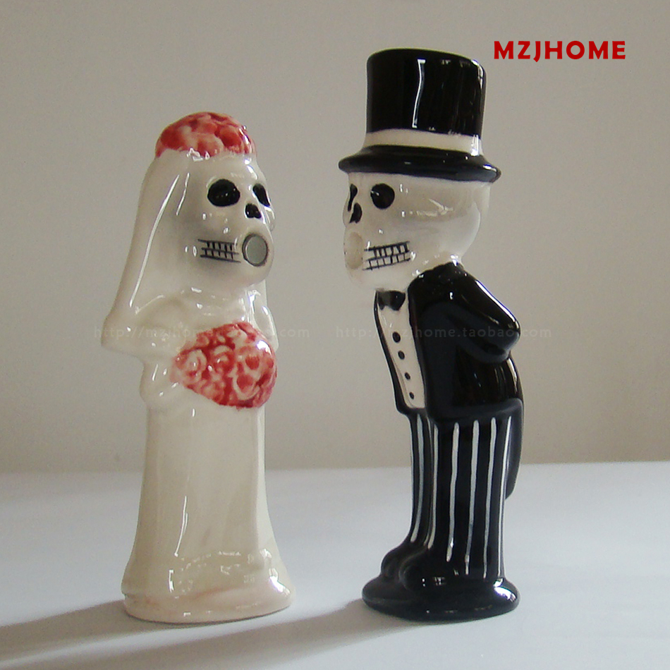 Halloween wedding cake toppers Ceramic ornaments Corpse bride and bridegroom Figurine Castor decoration Valentine's Day gift(China (Mainland))