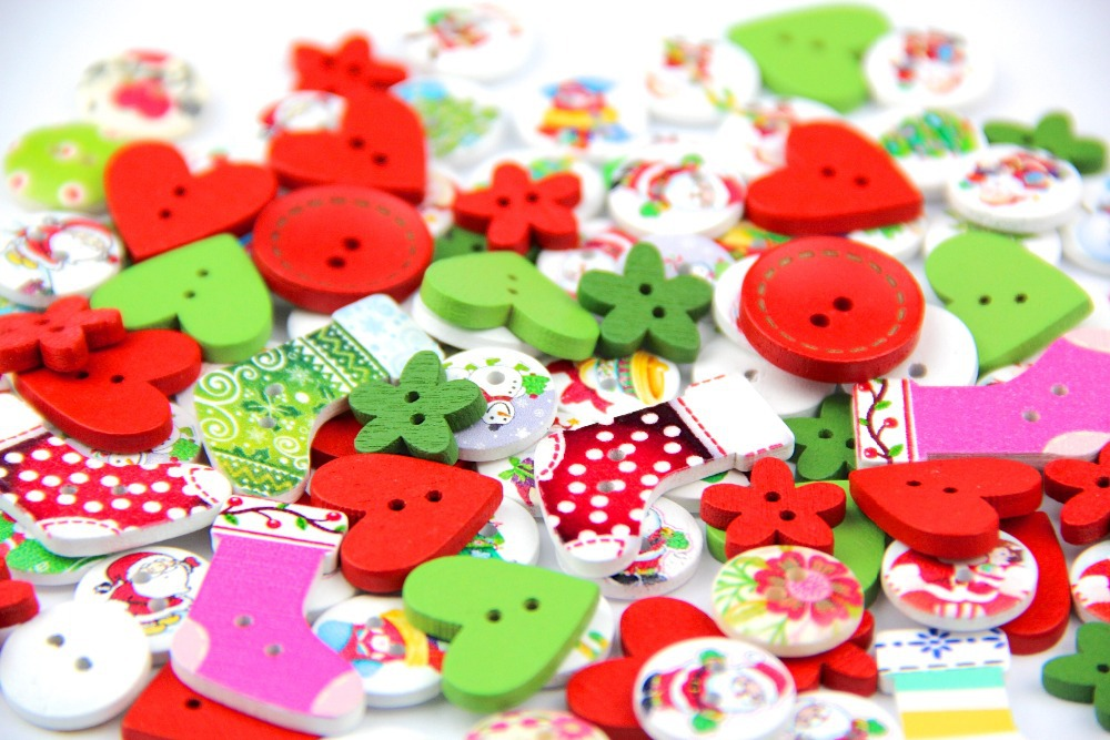 40g DIY wooden buttons red&green&white colors mix shapes clothes wood button for craft sewing scrapbooking sewing accessories(China (Mainland))