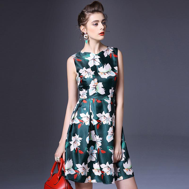 The new spring and summer 2016 European women's new sleeveless dress brand agent Q6580