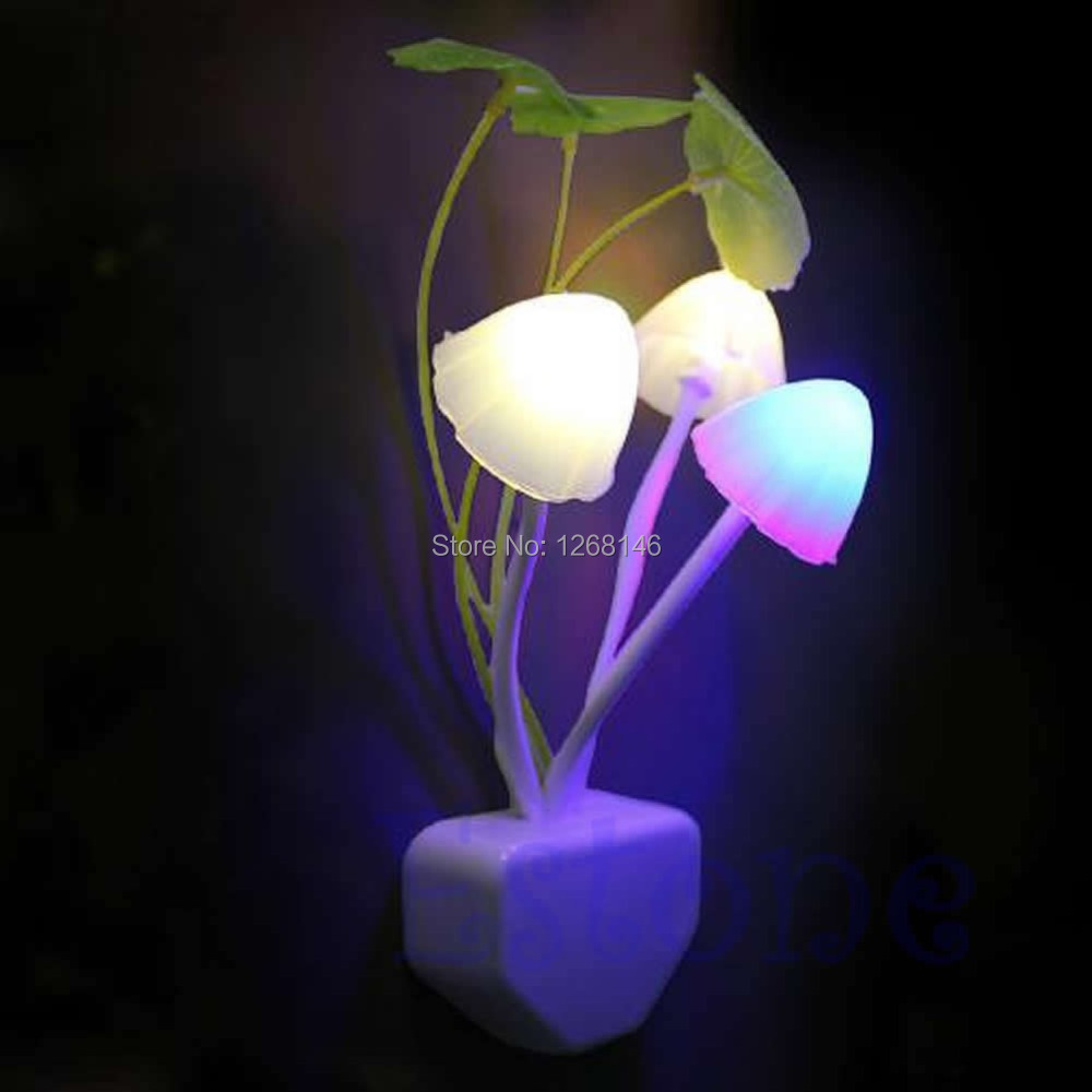 Free Shipping 1 Pieces EU/US Romantic Colorful LED Mushroom Night Light DreamBed Lamp Home Illumination(China (Mainland))
