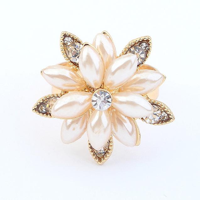Big Sale For New Store 18K Gold Plated Rings For Women Fashion Jewelry Flower Rhinestone Ring Anel Feminino Bijoux(China (Mainland))