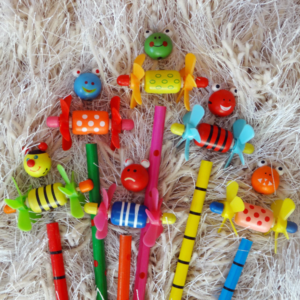 12pcs/lot Wooden kawaii Animals Pencil With Shakable Head kids Cute Colourful Cartoon Pencil Children students Pencil gifts(China (Mainland))