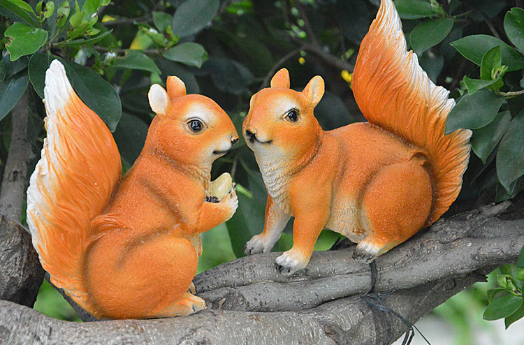2 pcs Resin Squirrel Status Sculpture Craft Ornament Home Garden Room Desk Decoration Artificial Squirrel kids birthday gifts(China (Mainland))