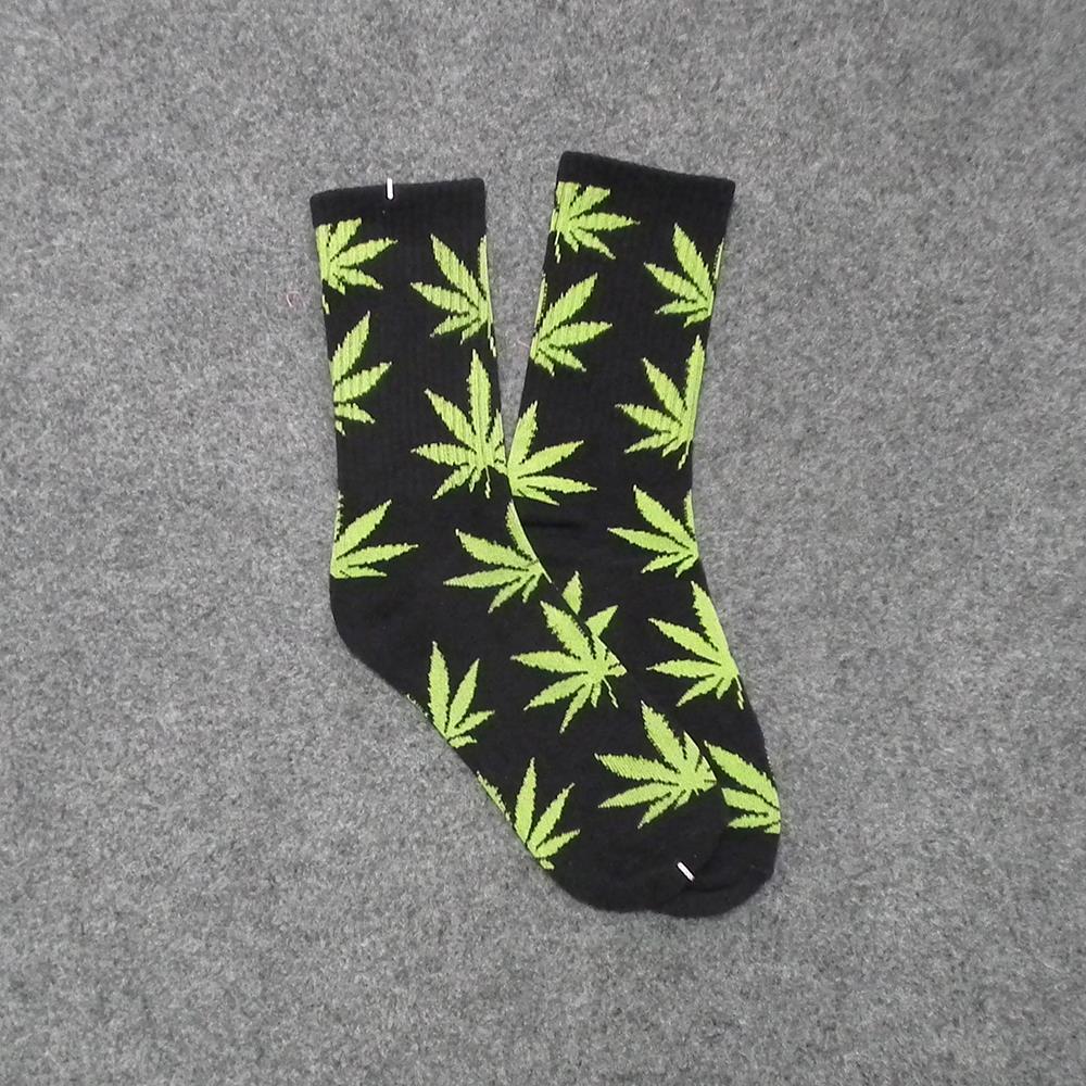 1 pair Men sock Maple leaf Socks long fashion Cannabis Marijuana Weed Socks Long Skateboard hiphop