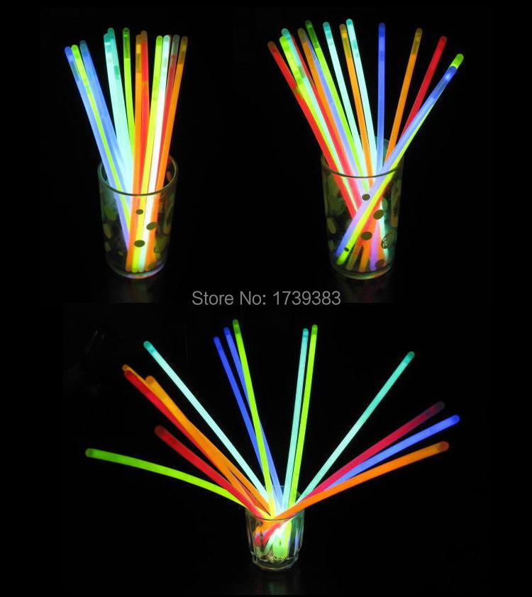 New 100pcs/lot Christmas Festivities Ceremony Fluorescent Bracelets Night Glow Sticks LED Toys Birthday Party Decoration(China (Mainland))