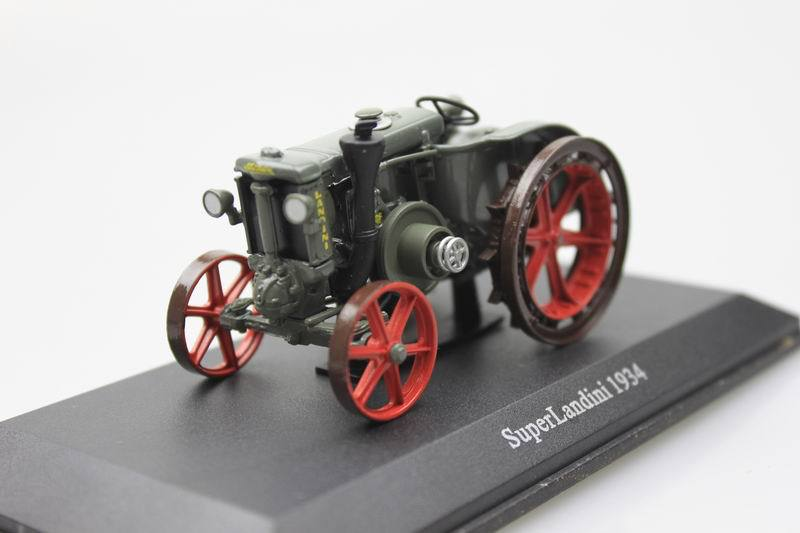 UH 1:43 SuperLandini 1934 farm truck tractor alloy car model toy(China (Mainland))