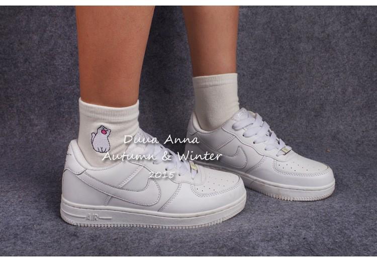2b4c970985ece 2017 new Cotton Garfield cat series Embroidery Socks Series Comfortable  White calcetines women socks - us126