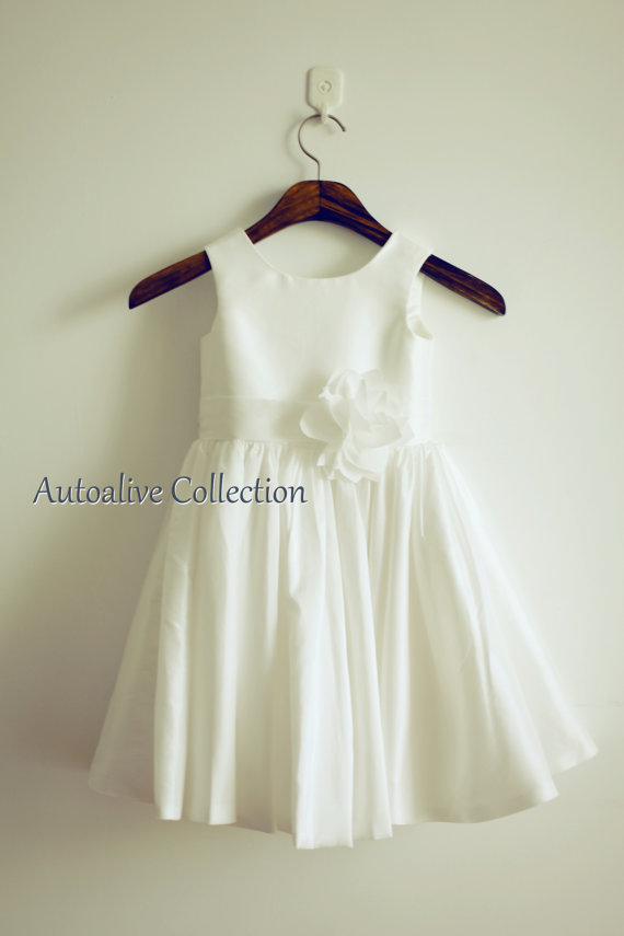 rustic A-line unique Ivory Taffeta vintage Flower Girl Dress Infant Toddler Bridal hand made flower Party Dress wedding gowns(China (Mainland))