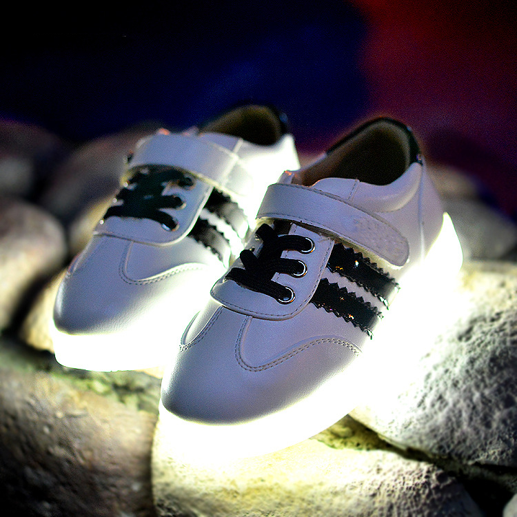 Фотография New Pure Color Kids Shoes LED For Girls Shoes Lovely USB Charging Lighted Kids Boots Children Shoes LED Zapatos Mujer AG31