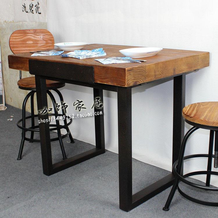 Table a manger fer et bois maison design for Style ricain