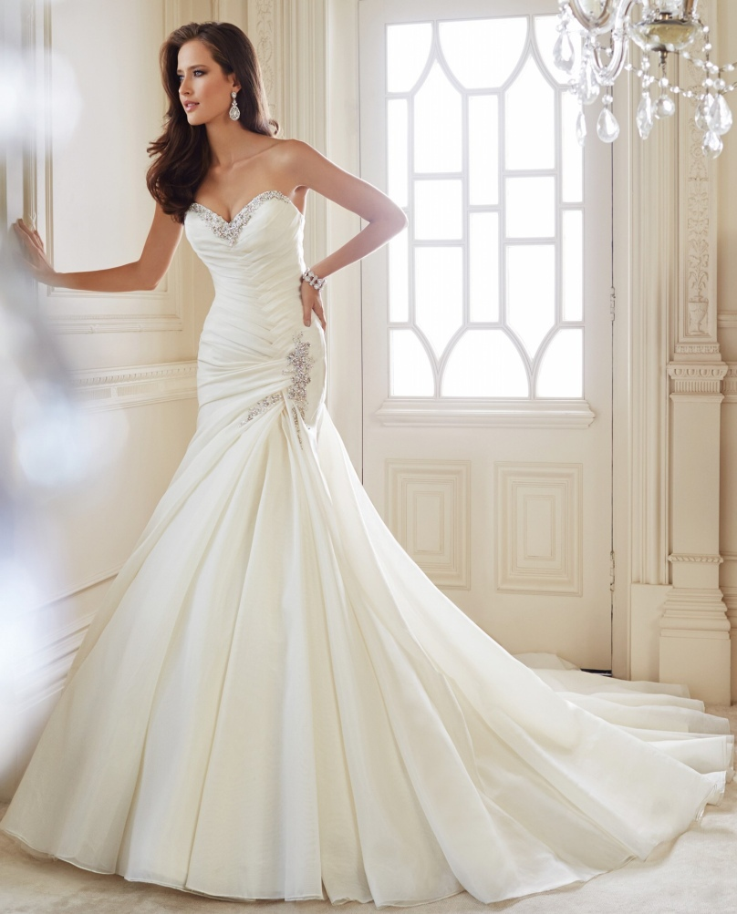 2016 sexy bridal gown dresses lace up vintage bling for Pictures of sexy wedding dresses