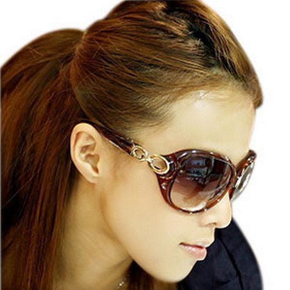 FreeShipping 2015 Star Style Sunglasses Women Luxury Fashion Summer Sun Glasses Vintage Sunglass Outdoor Goggles Eyeglasses(China (Mainland))