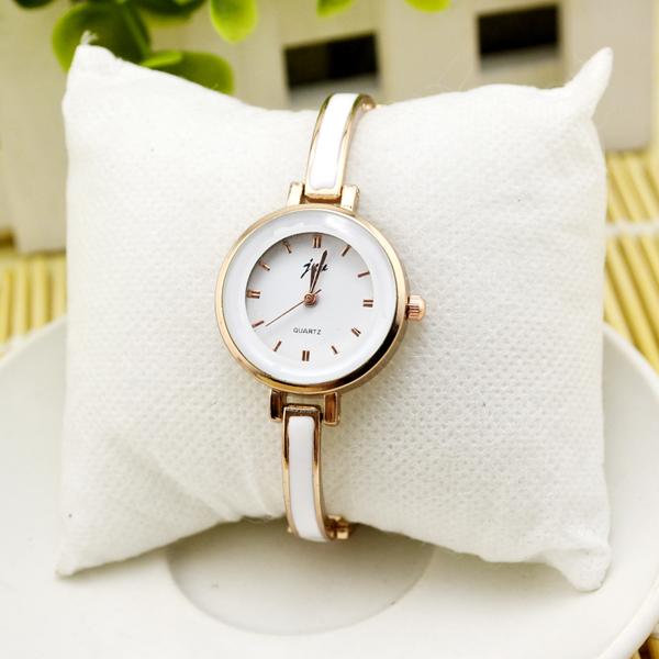 1 pc Womens Ladies 2 colors Round Quartz Analog Top Wrist Watch vogue gift(China (Mainland))