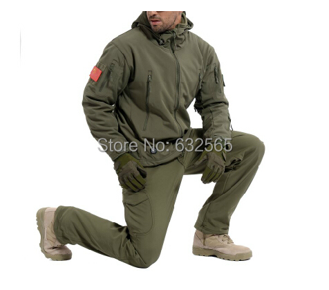High Quality Waterproof Tactical Hunting Army Jacket TAD V4.0 Hoodie Lurker Shark Skin Soft Shell Jackets + Pants Men Suit Set<br><br>Aliexpress