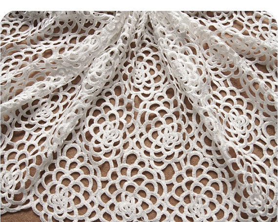 White Crocheted Bridal Lace Fabrics Wedding Dress Gown Fabric with Hollowed Out Rose Pattern