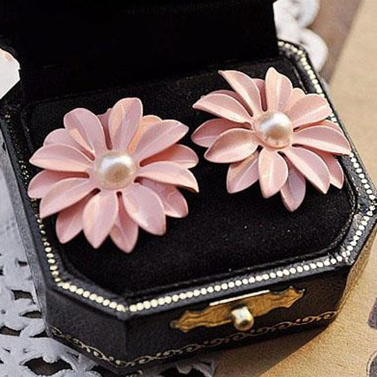 1 pair fast shipping 2015 new arrival korean style trendy pink bohemian pearl daisy flowers women stud earrings retails(China (Mainland))