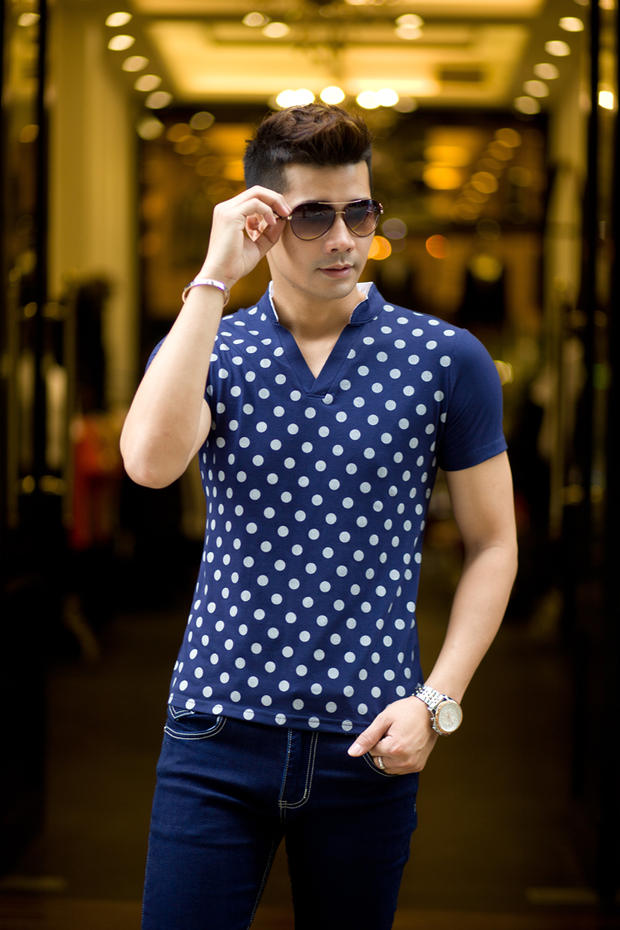 Good quality new 2015 summer men short-sleeve T-shirt V-neck 100% cotton polo shirt stand collar casual tops & tees white blue(China (Mainland))