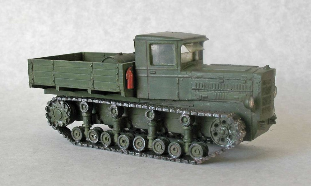War Models 1/72 Scale Soviet B4 Tractor Track Armored Car Kits Free Shipping 1 piece(China (Mainland))