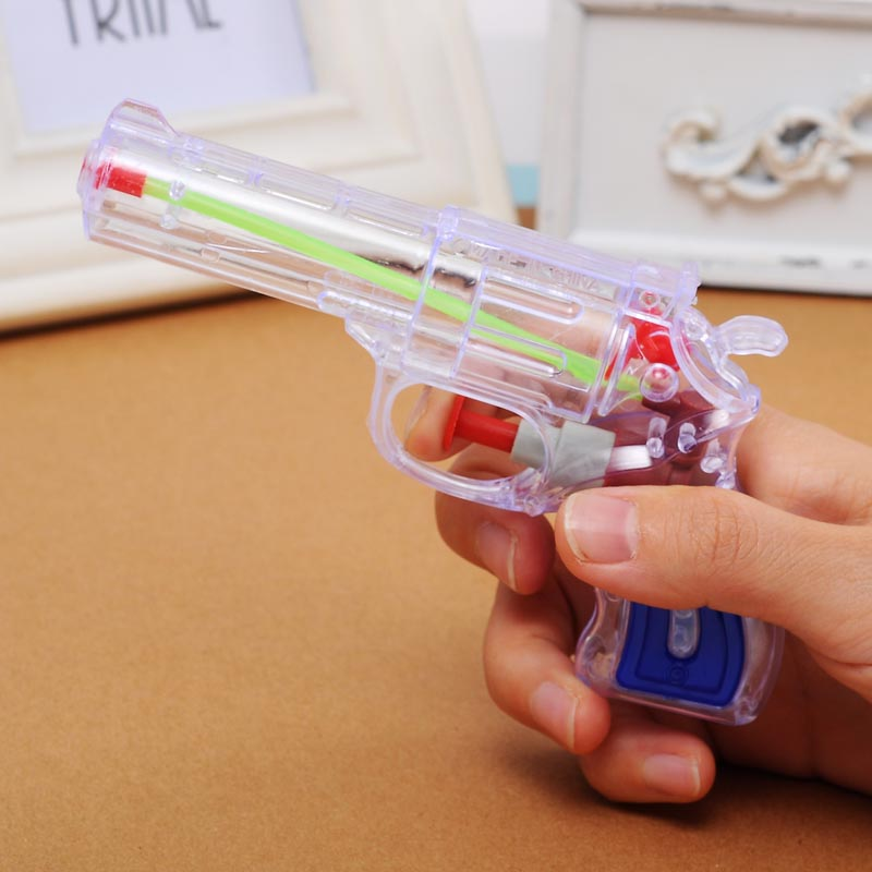Lovely Classic Revolver Model Pressure Water Gun Pistol Summer Beach Swimming Toys Essential Weapon Kids Nerf Toys(China (Mainland))