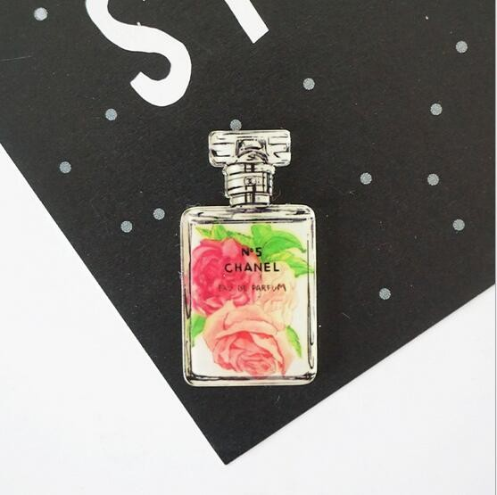 The European and American luxury creative N5 Little black dress hand-painted perfume bottles magnetic stick      Fridge Magnet