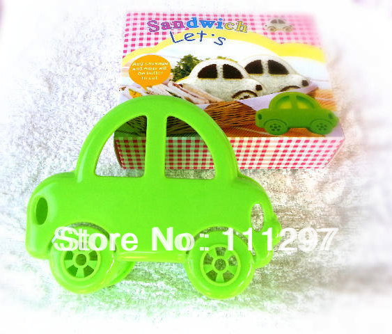 Wholesale 100pcs / lot plastic bread toast cutter sandwich cutter picnic lunch mold maker in car design Free shipping