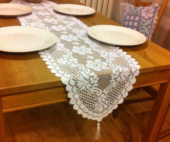 chemin de table crochet chemins de table pour le mariage. Black Bedroom Furniture Sets. Home Design Ideas