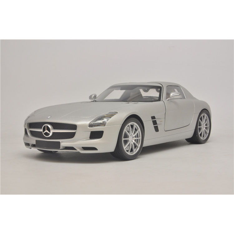 Special 1:18 Mini Minichamps Mercedes Benz Benz SLS AMG 2010 model cars(China (Mainland))