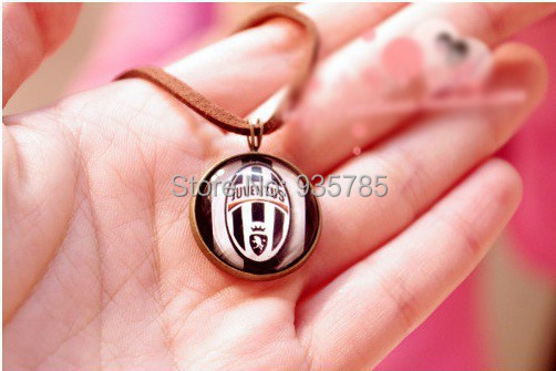 Handmade juventus team logos accessories boys necklace(China (Mainland))