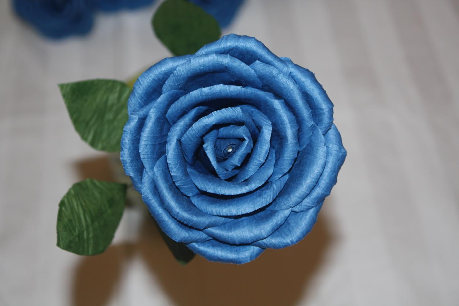 Ups free shipping 100 pieces of blue roses wooden for How are blue roses made