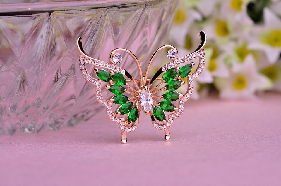 Fashion Green Rhinestone Butterfly Brooch Prong Setting Crystals 18K Gold Plated Wedding Corsage Brand Women Hats Suit Brooches