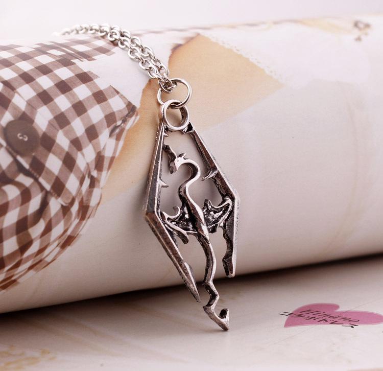 модные аксессуары Серебряный elder scrolls skyrim птерозавра кулон ожерелье для мужчин & женщин старинные ювелирные изделия