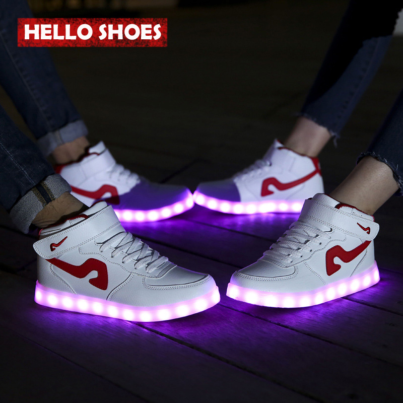 Korean LED Lighted Casual Shoes Men & Women LED Flats Shoes Lovers' Shoes British Style Single Board Shoes Lace-up(China (Mainland))