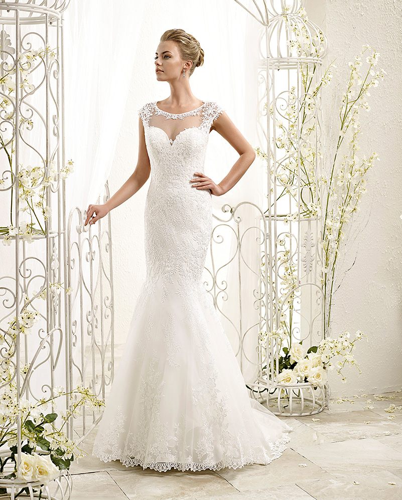 New pretty scoop neck mermaid sleeveless wedding dress for Very pretty wedding dresses