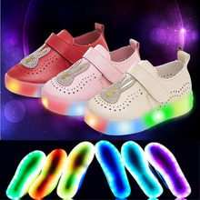 New 2016 European fashion slip on LED light children sneakers Cute light Cool kids shoes hot sales breathable children shoes(China (Mainland))