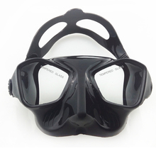 Extreme low volume spearfishing mask black silicone freediving mask top spearfishing and diving gears tempered lens scuba mask(China (Mainland))