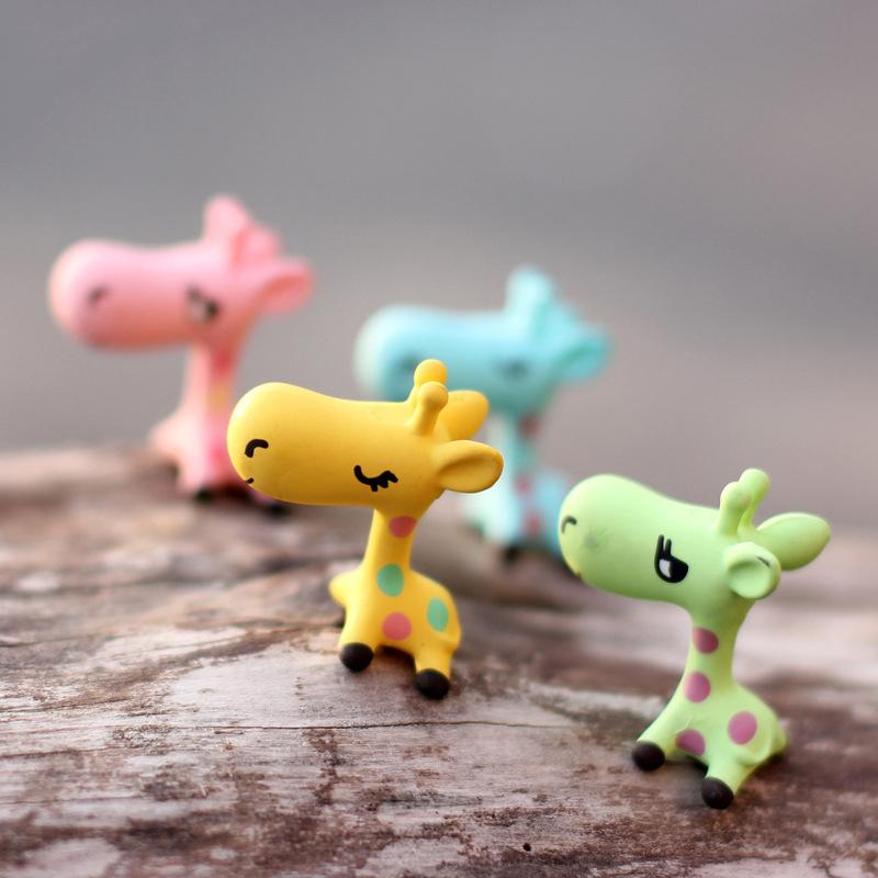 Garden ornament miniature giraffe figurine craft plant pot for Garden decking ornaments