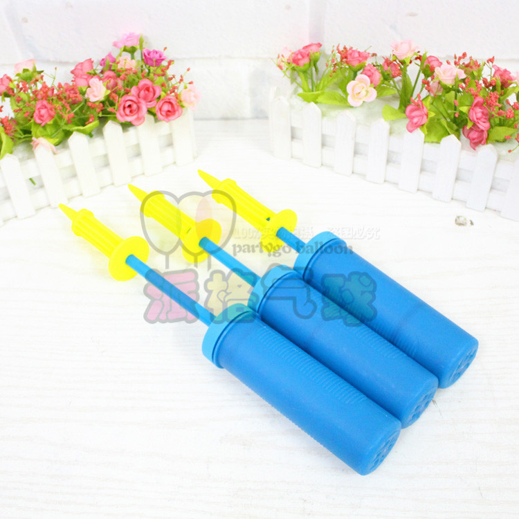 Good quality 5pcs/lot Plastic Balloon Pump Hand Soccer Needle Ball Party Inflator Air Pump new design(China (Mainland))