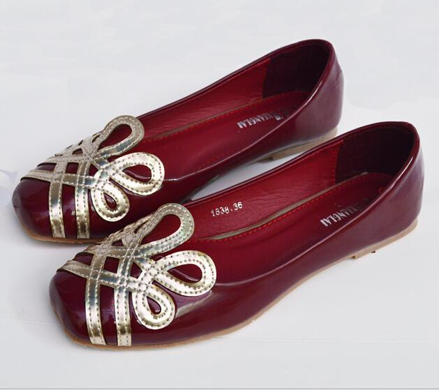 Ladies flat shoes 2012